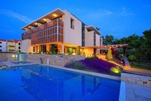 Hrvatska, Otok Brač, Supetar, Bluesun resort Velaris