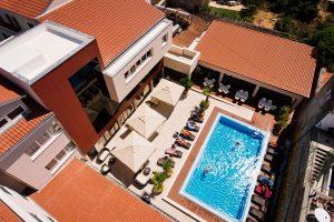 Hrvatska, Otok Murter, Tisno, Hotel Borovnik