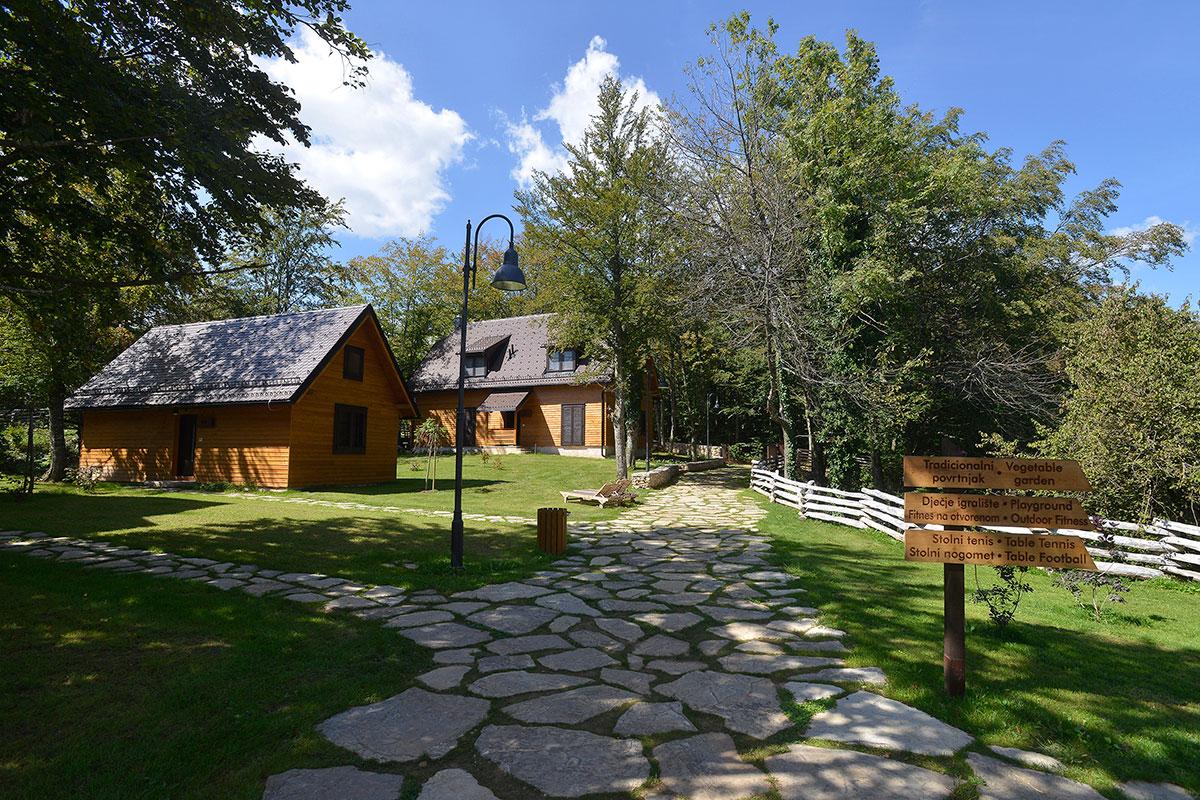 Hrvatska, NP Plitvička jezera, Turističko naselje Fenomen Plitvice
