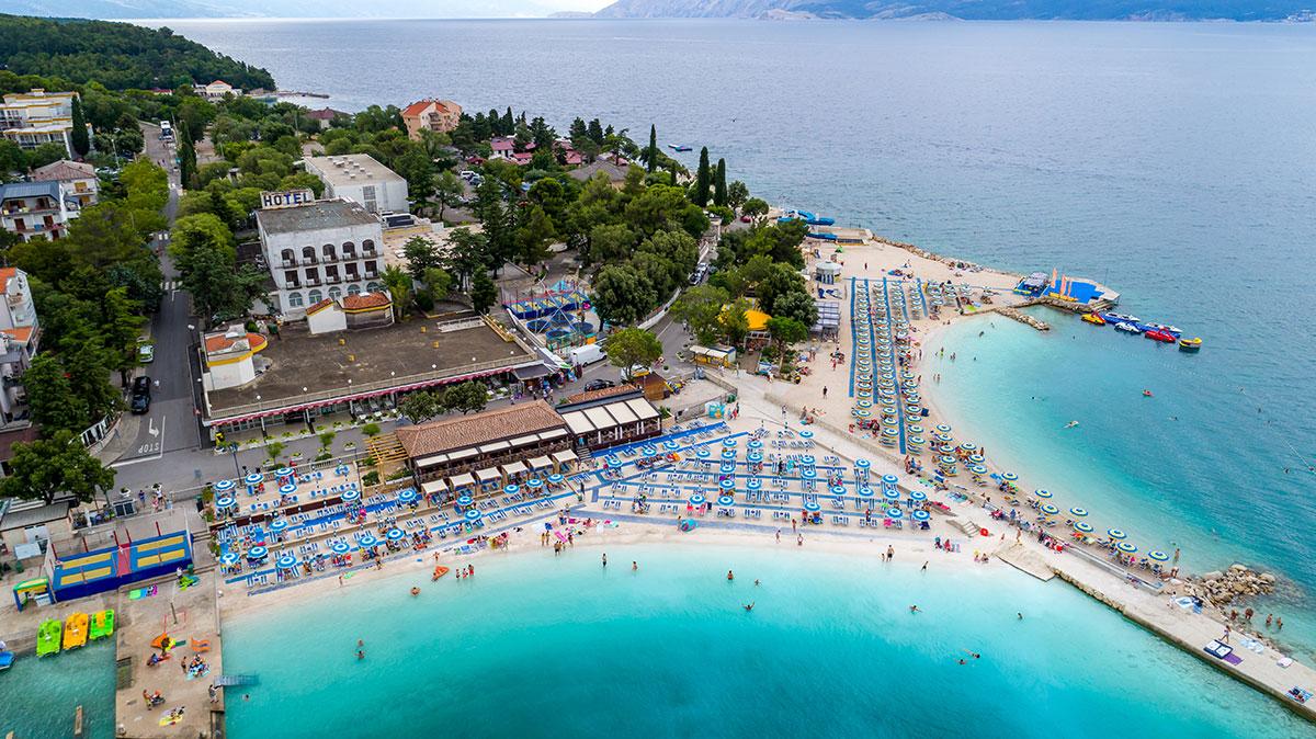 Hrvatska, Selce, Hotel i paviljoni Slaven