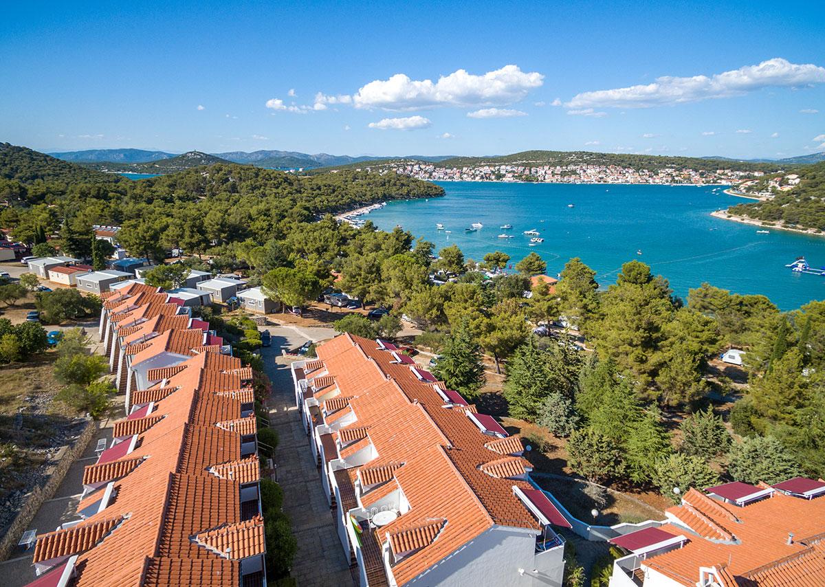 Hrvatska, otok Murter, Jezera, Turističko naselje Jezera Village