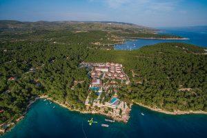 Hrvatska, Otok Brač, Milna, Gava Waterman Resort Milna