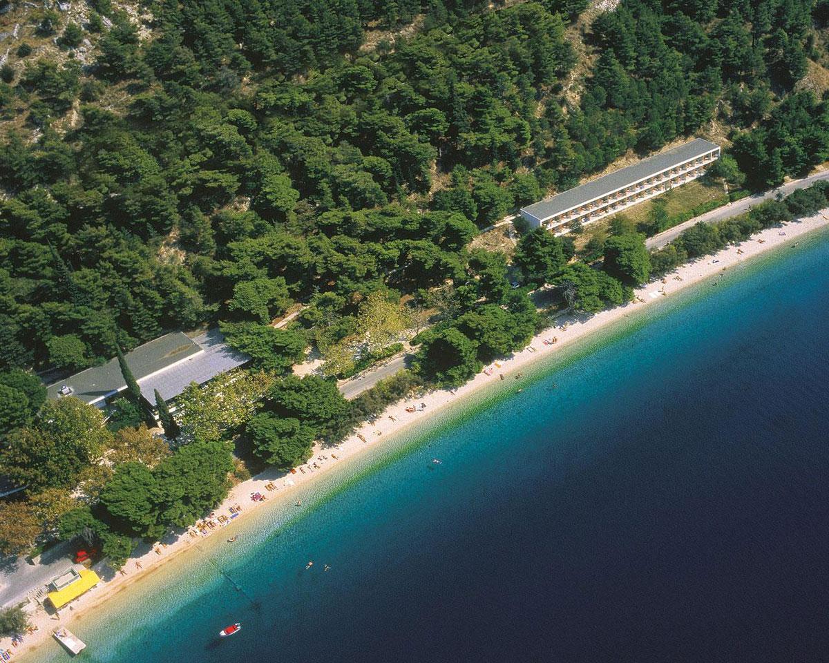 Hrvatska, Omiš, Turističko naselje Brzet