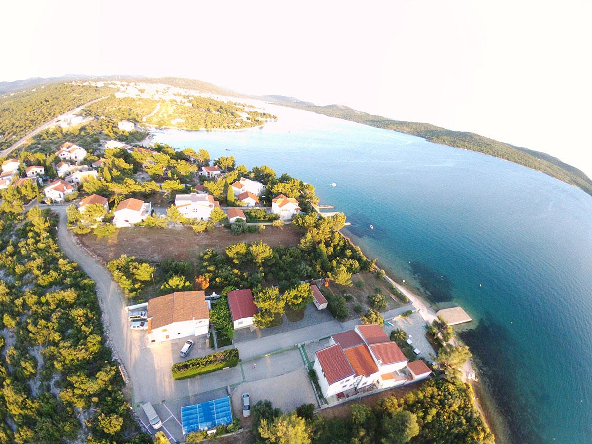 Hrvatska, Pirovac, Vila Leona