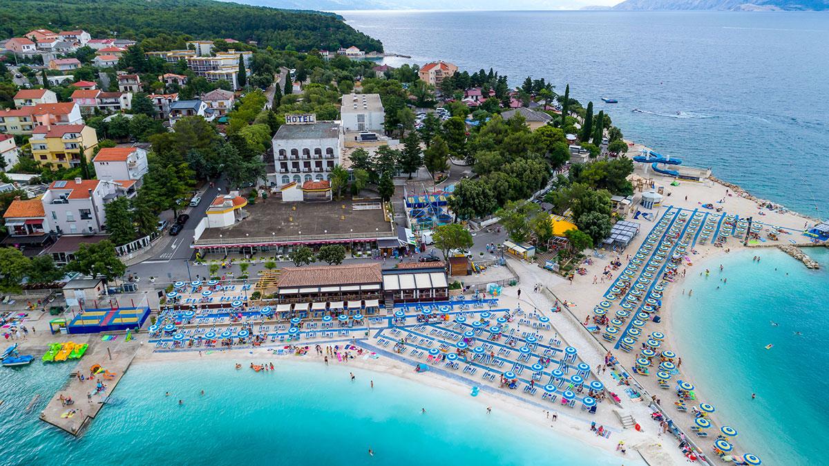 Hrvatska, Selce, Hotel & depandansa (paviljoni) Slaven